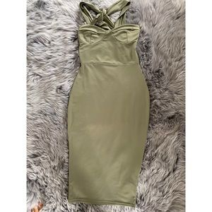 Dresses & Skirts - NEVER WORN Green Dress